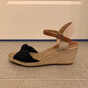 Lucky Brand Wedge Sandals/ Espadrilles size 7 navy